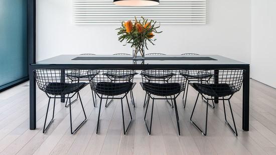 cadeiras_bertoia_pretas